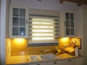 Ρόλερ διπλό (Zebra collection) σε ενιαίο χώρο σαλόνι-κουζίνα (ανοιχτό)
