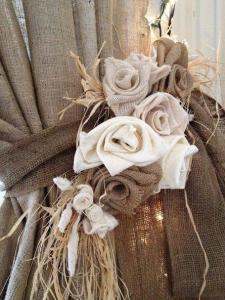 Δέστρα με λινάτσα και τριαντάφυλλα χειροποίητα