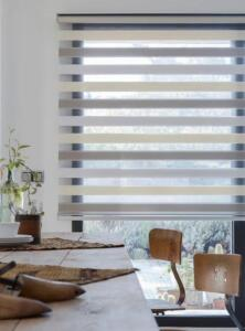 Double roller shade with 2 colors (1)